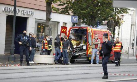 ATTENTAT EN FRANCE – Trois morts dans une attaque au couteau à Nice