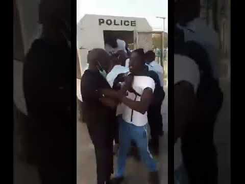 VIDEO – MANIF ANTI-FRANÇAIS – Quatre  jeunes activistes arrêtés à Dakar