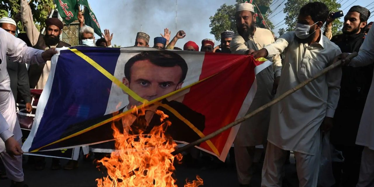 Al Qaida menace Macron!