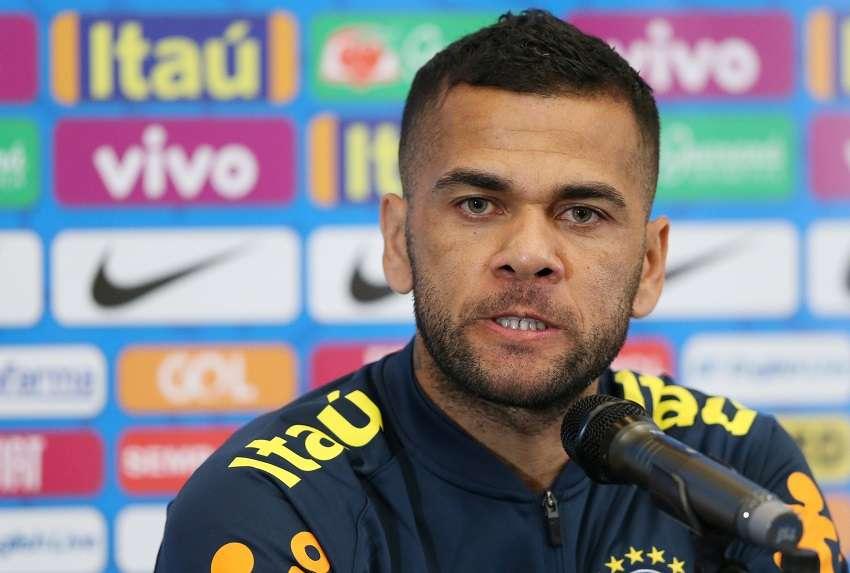 Daniel Alves allume le Barça