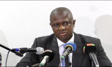 DATE DES ELECTIONS – Antoine Félix Diome maintient le flou