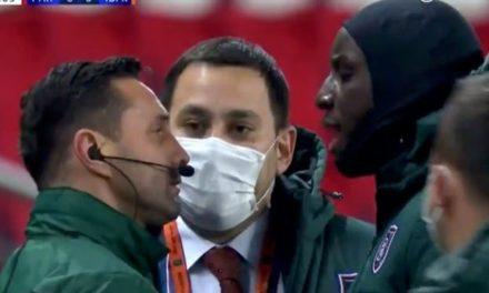 PSG-ISTANBUL BB – Lâché par son pays, le 4e arbitre réagit !