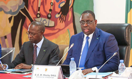 PRESSE EN LIGNE – Macky Sall exige une régulation