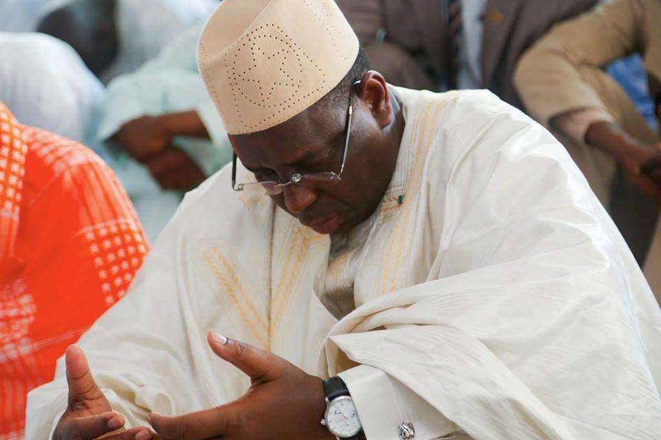 NECROLOGIE  – Macky Sall rend hommage au Général Niang et à Idrissa Diallo