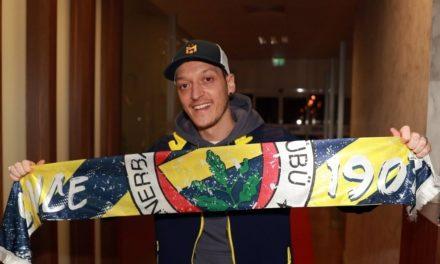 MERCATO – Özil atterrit à Fenerbahçe