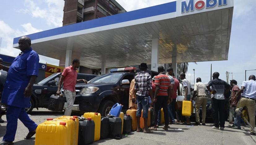 RISQUES DE TROUBLES  – La vente de carburant au détail interdit à Dakar
