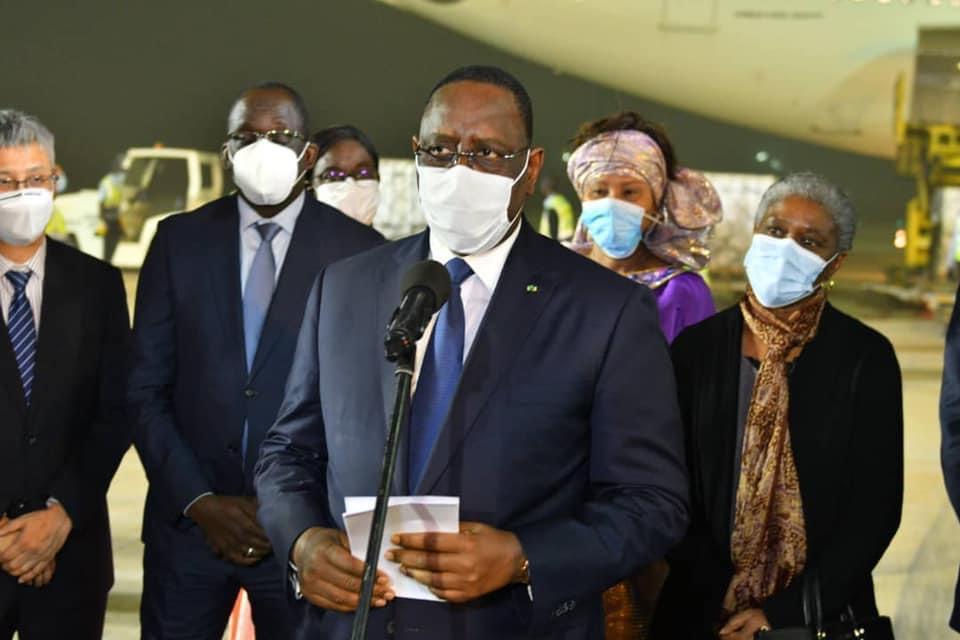 """COVID-19  – Macky Sall promet 7 millions de doses de vaccins """"dans les semaines à venir"""""""