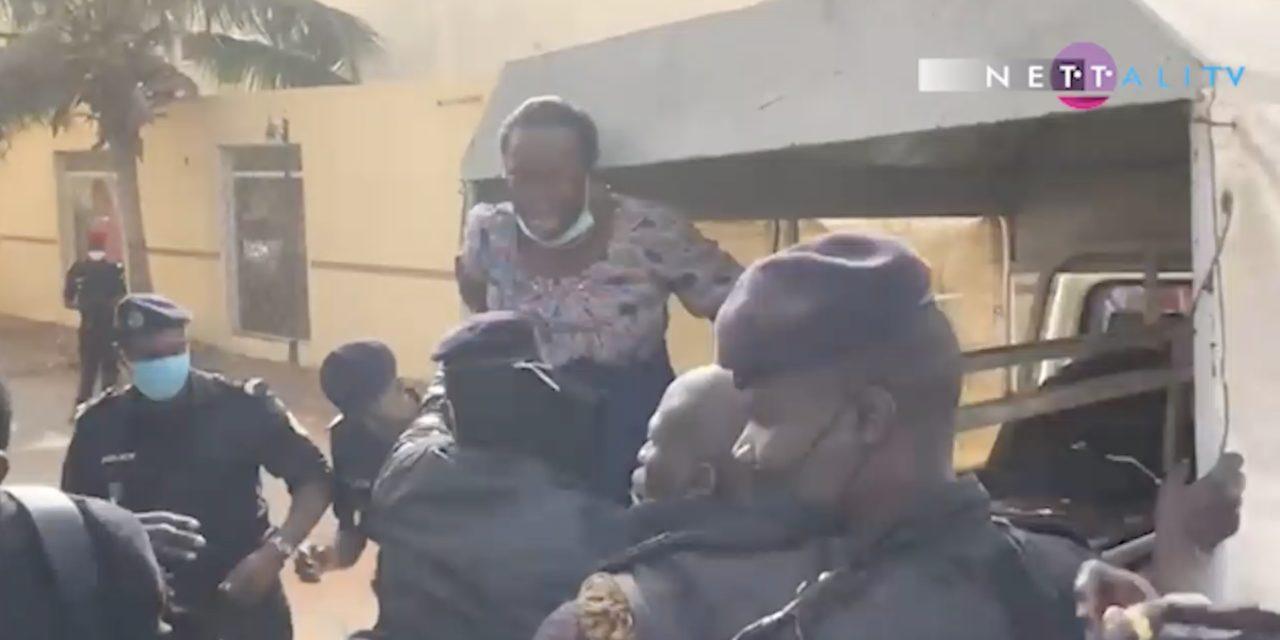 VIDEO – CITE KEUR GORGUI – La police embarque les femmes de Pastef