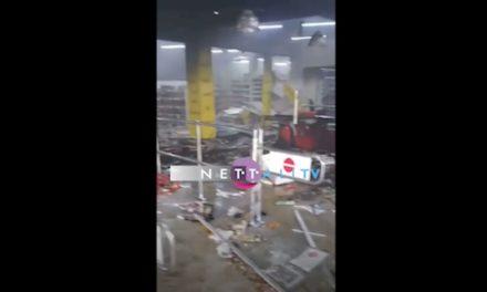 VIDEO – Auchan Point E1 saccagé, celui de Castors incendié et pillé