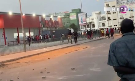 APRES LES MANIFESTATIONS VIOLENTES – Le ministère de l'Urbanisme nettoie Dakar
