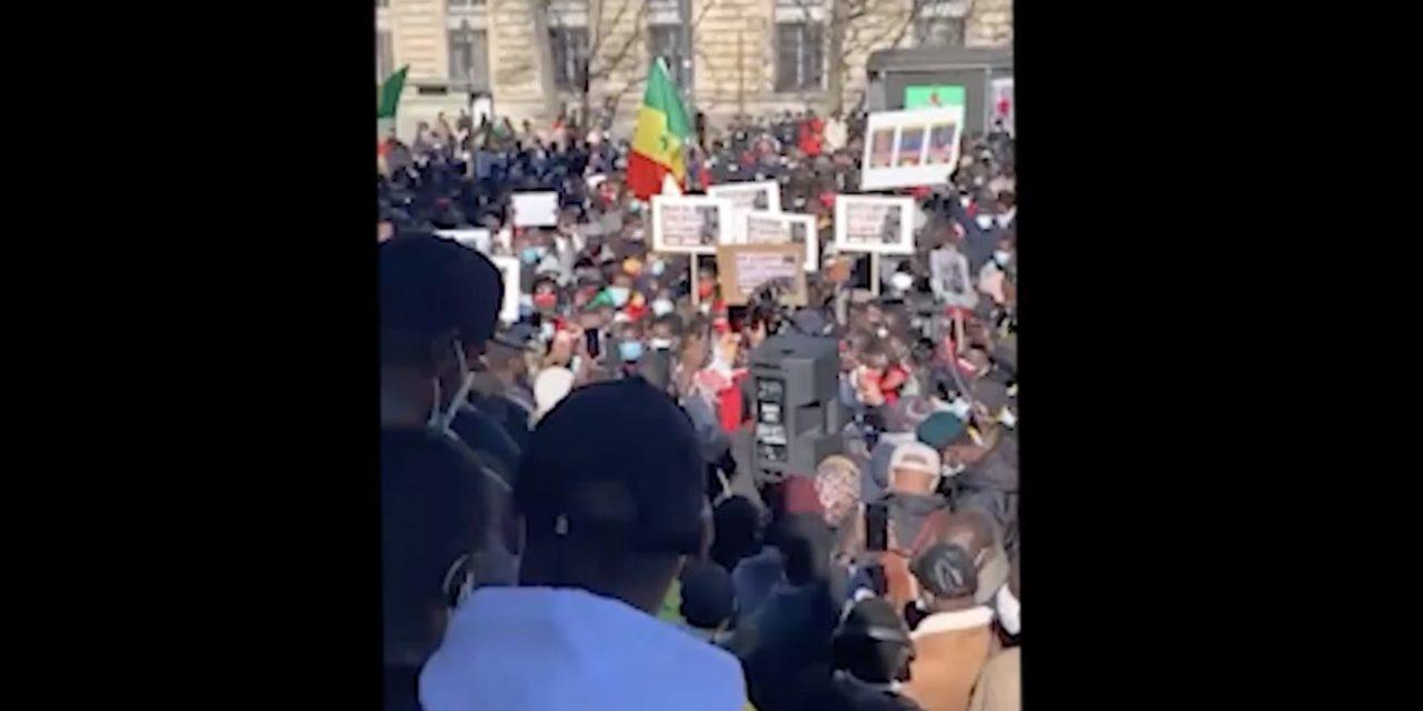(VIDEO) – MANIF PRO-SONKO EN FRANCE  – Une foule immense dans la rue