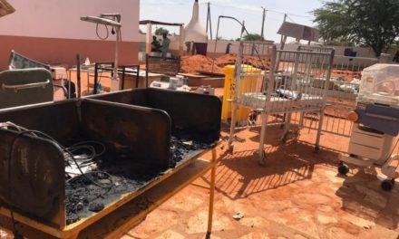 INCENDIE A L'HOPITAL MAGATTE LO – And Gueusseum vole au secours du personnel de santé