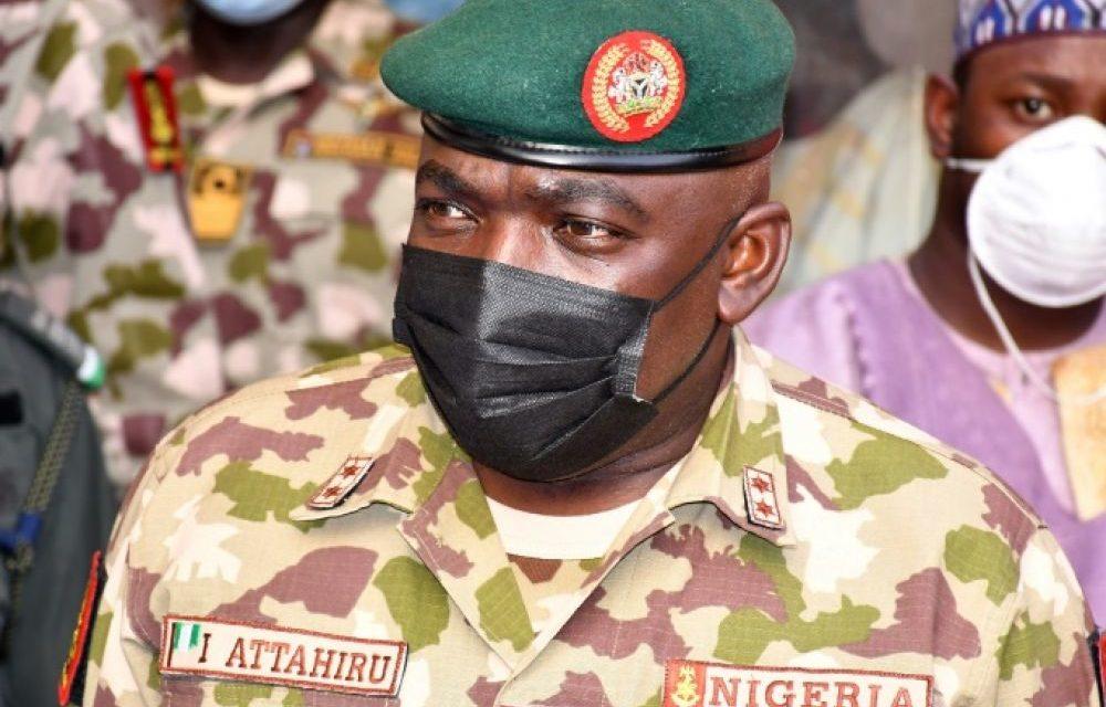 NIGERIA – Le chef de l'armée meurt dans un crash d'avion