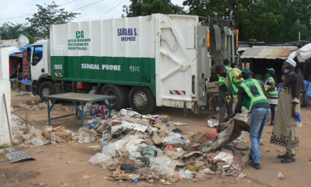 LENDEMAIN DE KORITE – L'UCG nettoie Dakar