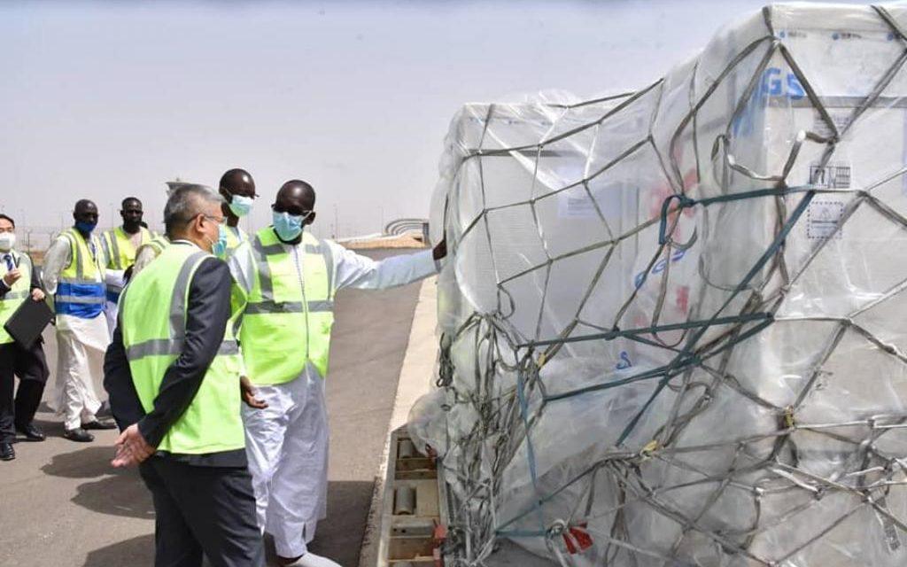 Arrivée à Dakar des 300 000 doses du vaccin de Sinopharm