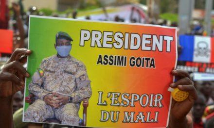 MALI – Le colonel Goïta prête serment comme président de transition