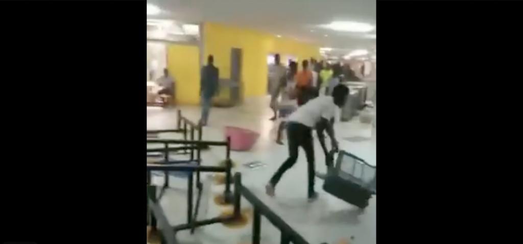 (Vidéos) UCAD : L'insoutenable scène de vandalisme des étudiants