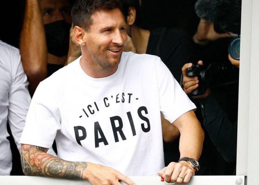 OFFICIEL – Messi atterrit à Paris !
