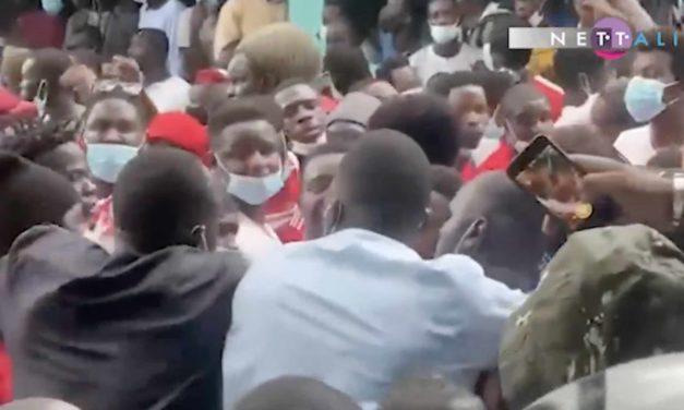 """VIDEO – VICTIME DU """"CONSENSUS"""" A LA FSF – Samba Sarr inhumé dans la douleur"""