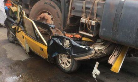 """VIDEO – KAOLACK  – Un camion """"malien"""" tue 4 personnes"""