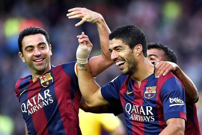 BARCELONE – Suarez conseille à Xavi d'attendre