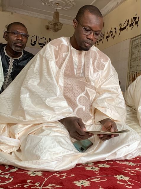 TOUBA – Sonko célèbre le Magal chez Serigne Cheikh Saliou