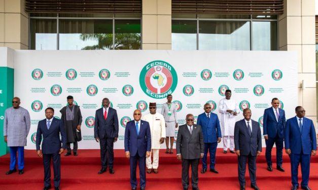 GUINEE – La Cédéao sanctionne les auteurs du putsch et réclame des élections