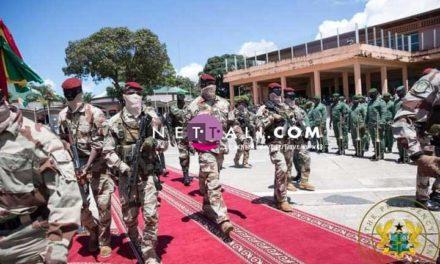 """GUINEE  – Le Colonel Doumbouya """"vire"""" 40 généraux de l'armée"""