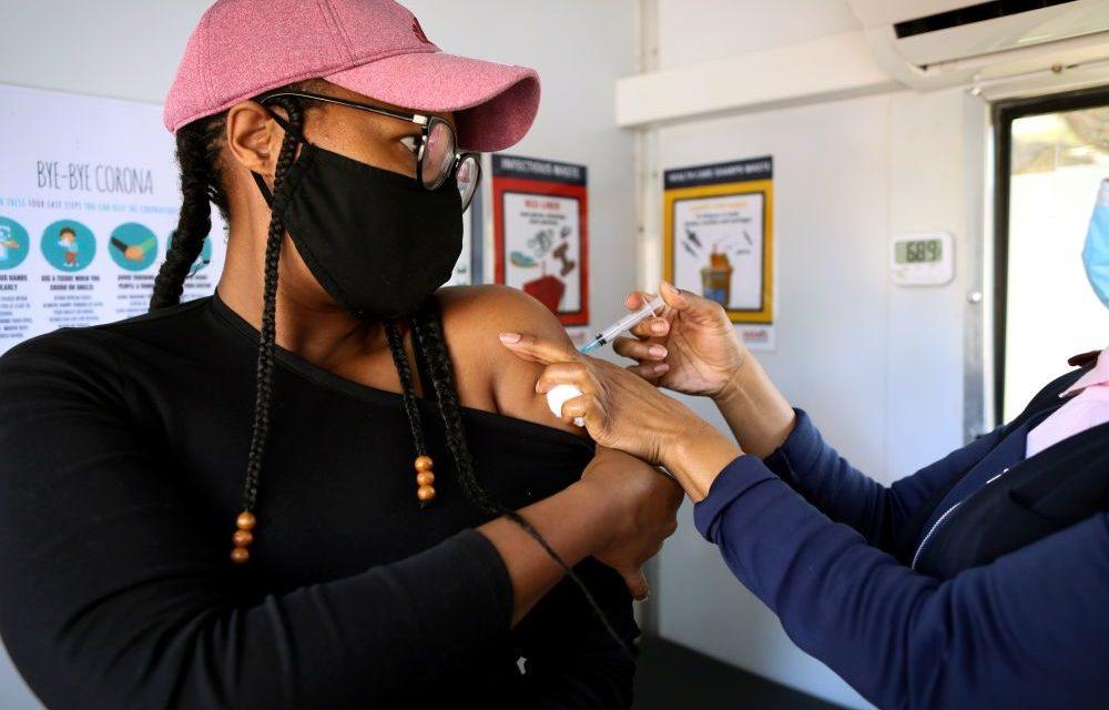 Moins de 3,5% d'Africains vaccinés contre le COVID-19, selon CDC en Afrique